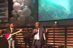 imac_President_worship_in_Covenant_Church_Dallas_Tx-2